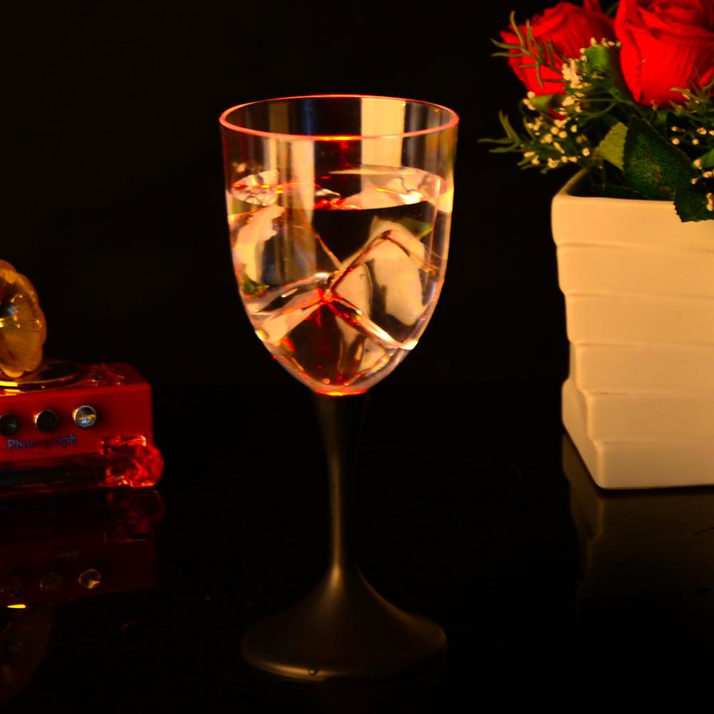 แก้วไวน์เรืองแสง